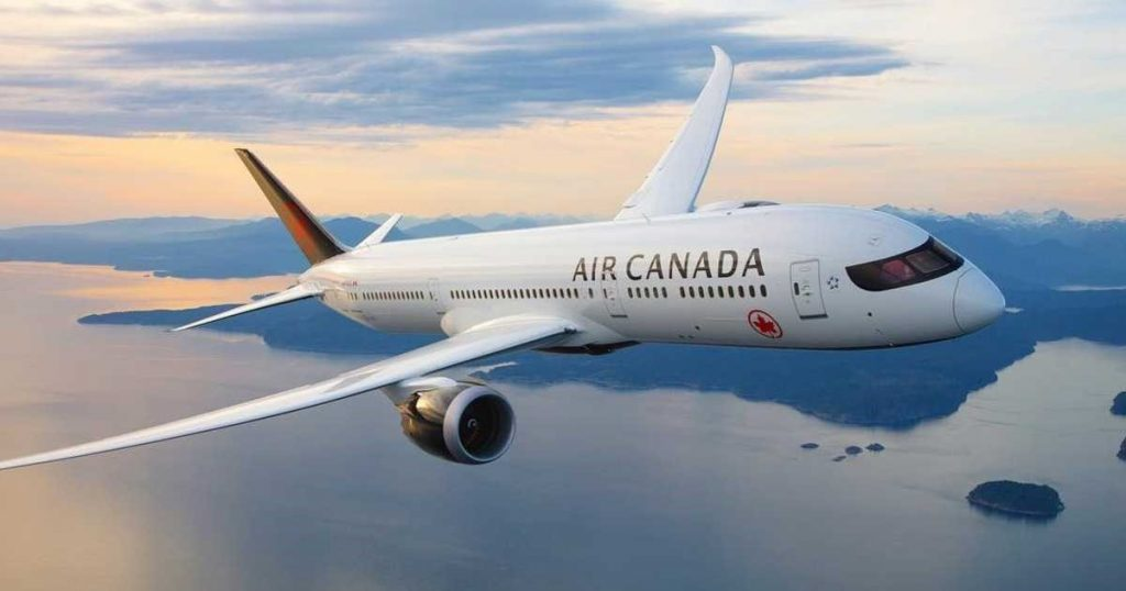 MARCH 2021 – AIR CANADA SIGN WITH ORLANDO